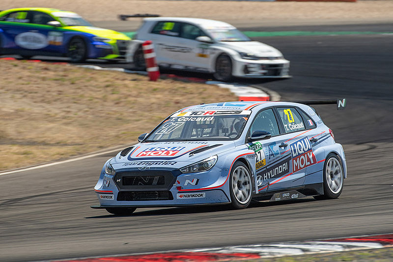 Hyundai Team Engstler punktet bei Premiere in der ADAC TCR Germany